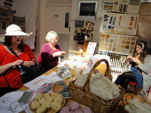 knitting volunteers